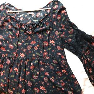 Hollister Floral Boho Peasant Style Top